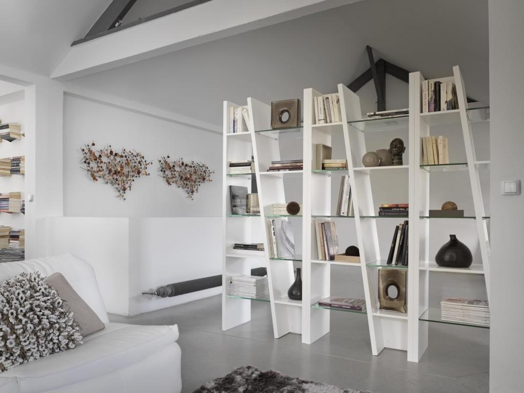 L'utilizzo dei divisori è molto utile e funzionale in una casa di piccole dimensioni