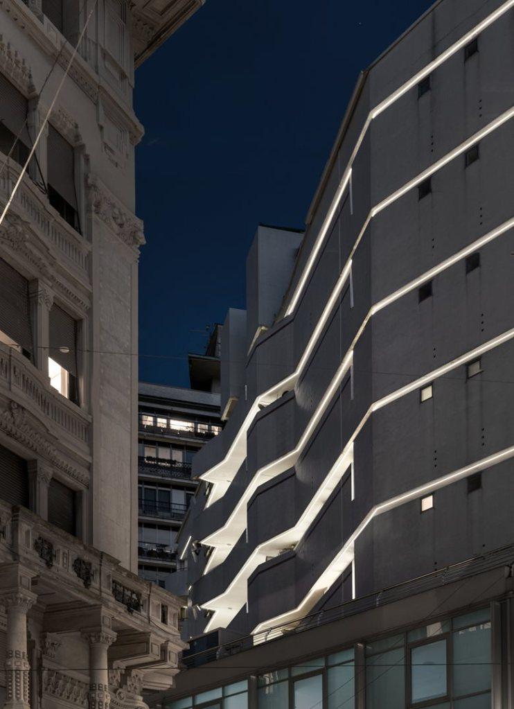 Edificio corso Italia Milano riqualifica del tessuto urbano progetto di Park Associati
